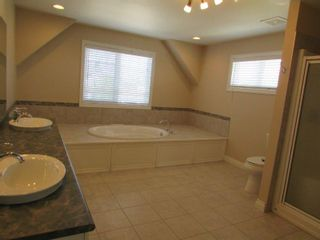 Photo 13: 1197 Hollands Way in Edmonton: House for rent