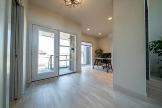 Photo 3: 96 CREEMANS Crescent in Winnipeg: Charleswood Residential for sale (1H)  : MLS®# 202111111