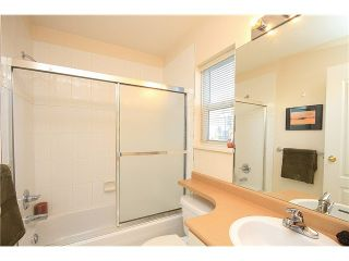 """Photo 5: 23 7088 LYNNWOOD Drive in Richmond: Granville Townhouse for sale in """"LAUREL WOODS"""" : MLS®# V997701"""