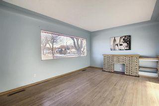 Photo 2: Bungalow for sale north Edmonton - 5020 118 AV NW