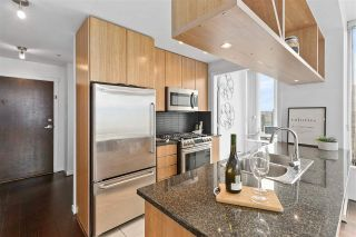 "Photo 6: PH2404 1010 RICHARDS Street in Vancouver: Yaletown Condo for sale in ""GALLERY"" (Vancouver West)  : MLS®# R2533230"