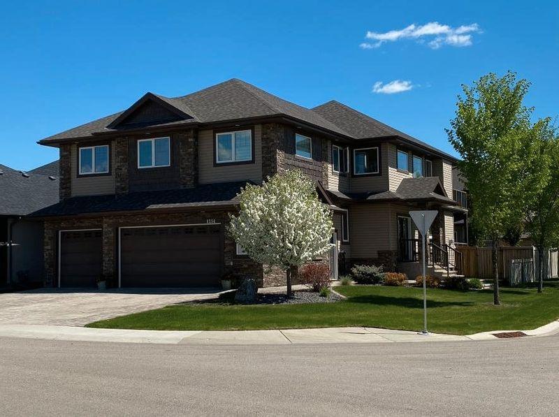 FEATURED LISTING: 1254 ADAMSON Drive Edmonton
