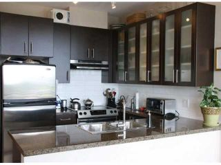 """Photo 1: 903 4250 DAWSON Street in Burnaby: Brentwood Park Condo for sale in """"OMA 2"""" (Burnaby North)  : MLS®# V900714"""