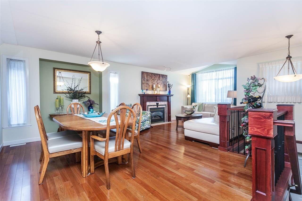 Photo 5: Photos: 24072 109 Avenue in Maple Ridge: Cottonwood MR House for sale : MLS®# R2218573