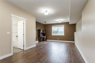 """Photo 34: 2290 CHARDONNAY Lane in Abbotsford: Aberdeen House for sale in """"Pepin Brook"""" : MLS®# R2555950"""
