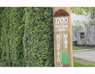 """Photo 1: 5 1700 MAMQUAM Road in Squamish: Garibaldi Estates Townhouse for sale in """"MOUNTAIN MEWS"""" : MLS®# V685606"""