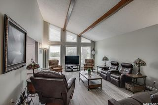 Photo 5: 327 Whiteswan Drive in Saskatoon: Lawson Heights Residential for sale : MLS®# SK870005