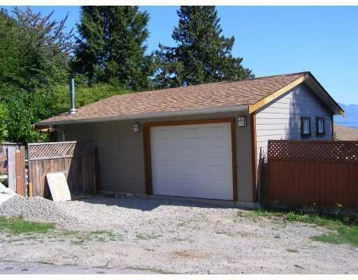 Photo 10: Photos: 605 MARTIN Road in Gibsons: Gibsons & Area House for sale (Sunshine Coast)  : MLS®# V734747