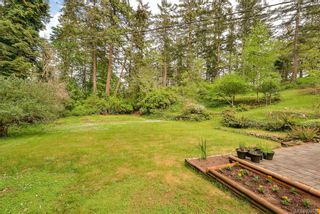 Photo 2: 385 IVOR Rd in Saanich: SW Prospect Lake House for sale (Saanich West)  : MLS®# 833827