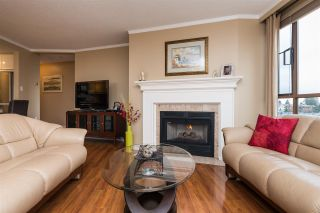 """Photo 3: 809 15111 RUSSELL Avenue: White Rock Condo for sale in """"PACIFIC TERRACE"""" (South Surrey White Rock)  : MLS®# R2141552"""