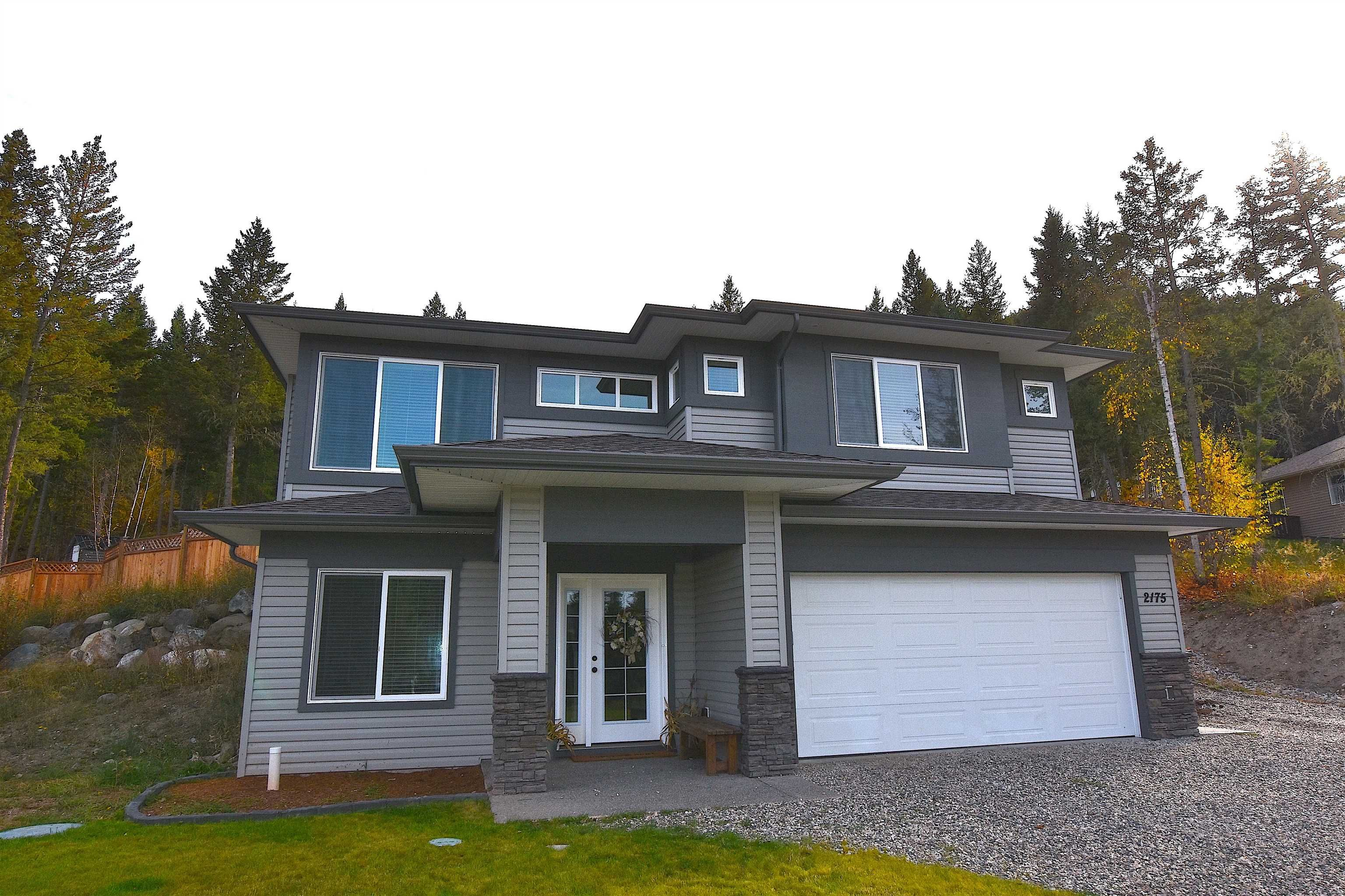 Main Photo: 2175 BLUFF VIEW Drive in Williams Lake: Lakeside Rural House for sale (Williams Lake (Zone 27))  : MLS®# R2623197