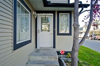 Photo 3: 163 Stonemere Place: Chestermere Row/Townhouse for sale : MLS®# A1040749