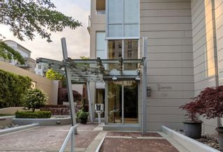 Main Photo: 903 120 W 16TH Street in North Vancouver: Central Lonsdale Condo for sale : MLS®# R2600735