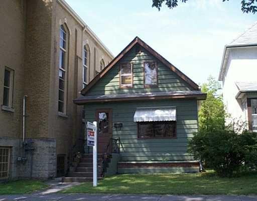 Main Photo: 320 HOME Street in WINNIPEG: West End / Wolseley Single Family Detached for sale (West Winnipeg)  : MLS®# 2712304