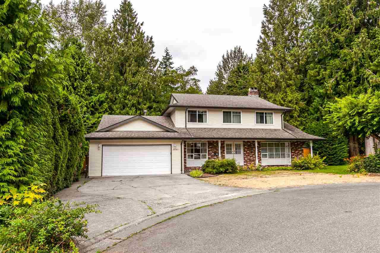 "Main Photo: 20140 37 Avenue in Langley: Brookswood Langley House for sale in ""Brookswood"" : MLS®# R2197603"