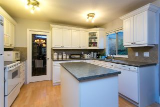 Photo 5: 15730 89A Avenue in Surrey: Fleetwood Tynehead House for sale : MLS®# R2329099