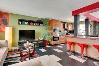 Photo 4: 49 MEADOWVIEW RD SW in Calgary: Meadowlark Park House for sale : MLS®# C4104032