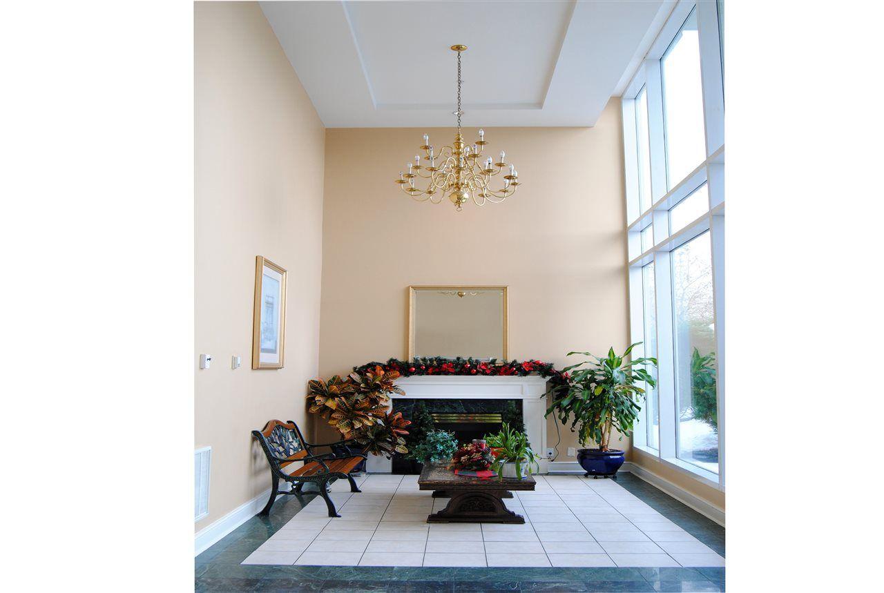 """Photo 3: Photos: 301 14820 104TH Avenue in Surrey: Guildford Condo for sale in """"CAMELOT"""" (North Surrey)  : MLS®# R2128065"""