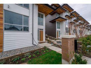 """Photo 2: 57 2825 159 Street in Surrey: Grandview Surrey Townhouse for sale in """"Greenway At The Southridge Club"""" (South Surrey White Rock)  : MLS®# R2259618"""