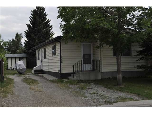 Great Single wide with a large addition on a large lot.