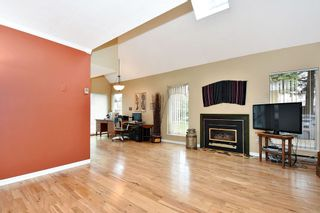 """Photo 4: 7403 TAMARIND Drive in Vancouver: Champlain Heights Townhouse for sale in """"THE UPLANDS"""" (Vancouver East)  : MLS®# R2426145"""