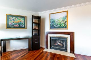"""Photo 8: 704 1450 PENNYFARTHING Drive in Vancouver: False Creek Condo for sale in """"HARBOUR COVE"""" (Vancouver West)  : MLS®# R2571862"""
