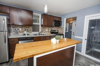 Photo 11: 917 6th Avenue North in Saskatoon: City Park Residential for sale : MLS®# SK863259