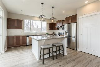 """Photo 2: 2290 CHARDONNAY Lane in Abbotsford: Aberdeen House for sale in """"Pepin Brook"""" : MLS®# R2555950"""