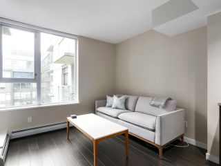 """Photo 4: 554 108 W 1ST Avenue in Vancouver: False Creek Condo for sale in """"OLYMPIC VILLAGE"""" (Vancouver West)  : MLS®# R2437073"""