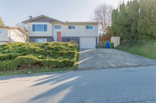 Photo 1: 2722 SPRINGHILL Street in Abbotsford: Abbotsford West House for sale : MLS®# R2560786