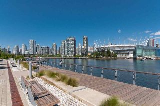 """Photo 31: 193 WALTER HARDWICK Avenue in Vancouver: False Creek Condo for sale in """"BRIDGE"""" (Vancouver West)  : MLS®# R2512536"""