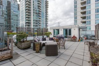 """Photo 1: 306 125 MILROSS Avenue in Vancouver: Mount Pleasant VE Condo for sale in """"Creekside"""" (Vancouver East)  : MLS®# R2244749"""