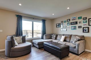 Photo 4: 235 Henick Crescent in Saskatoon: Hampton Village Residential for sale : MLS®# SK840372