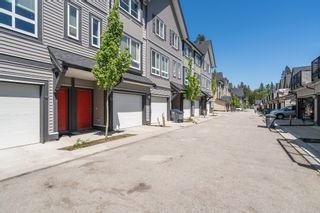 """Photo 4: 100 14555 68 Avenue in Surrey: East Newton Townhouse for sale in """"SYNC"""" : MLS®# R2169561"""