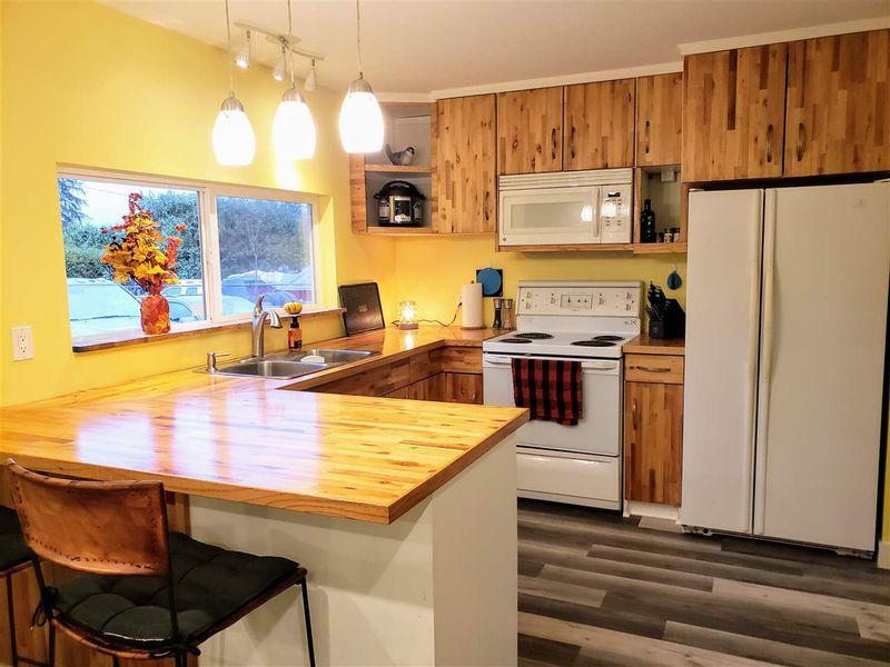 FEATURED LISTING: 25103 DEWDNEY TRUNK Road Maple Ridge
