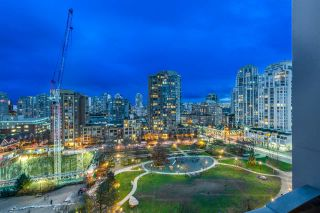 "Photo 1: 1004 1155 SEYMOUR Street in Vancouver: Downtown VW Condo for sale in ""BRAVA"" (Vancouver West)  : MLS®# R2327629"