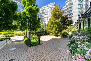 """Photo 29: 315 38 W 1ST Avenue in Vancouver: False Creek Condo for sale in """"The One"""" (Vancouver West)  : MLS®# R2597400"""
