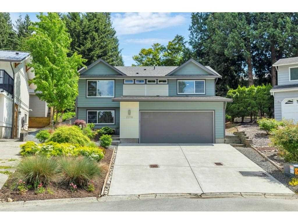 """Main Photo: 2216 DURHAM Place in Abbotsford: Abbotsford East House for sale in """"Everett Area"""" : MLS®# R2584867"""