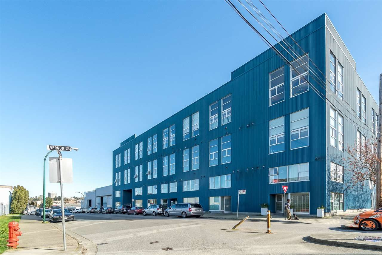 """Main Photo: 212 1220 E PENDER Street in Vancouver: Mount Pleasant VE Condo for sale in """"THE WORKSHOP"""" (Vancouver East)  : MLS®# R2053903"""