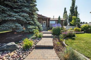Photo 2: 1731 54 Street in Edmonton: Zone 29 House for sale : MLS®# E4253795