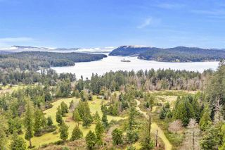 Photo 2: 407 CAMPBELL BAY Road: Mayne Island House for sale (Islands-Van. & Gulf)  : MLS®# R2531288