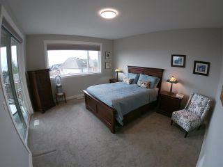 Photo 10: 6347 SAMRON Road in Sechelt: Sechelt District House for sale (Sunshine Coast)  : MLS®# R2426057
