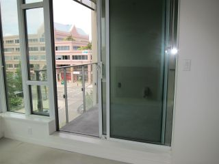 """Photo 13: 402 2528 MAPLE Street in Vancouver: Kitsilano Condo for sale in """"Pulse"""" (Vancouver West)  : MLS®# R2397843"""