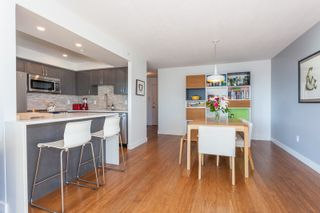 """Photo 9: 801 1088 QUEBEC Street in Vancouver: Mount Pleasant VE Condo for sale in """"The Viceroy"""" (Vancouver East)  : MLS®# R2206969"""