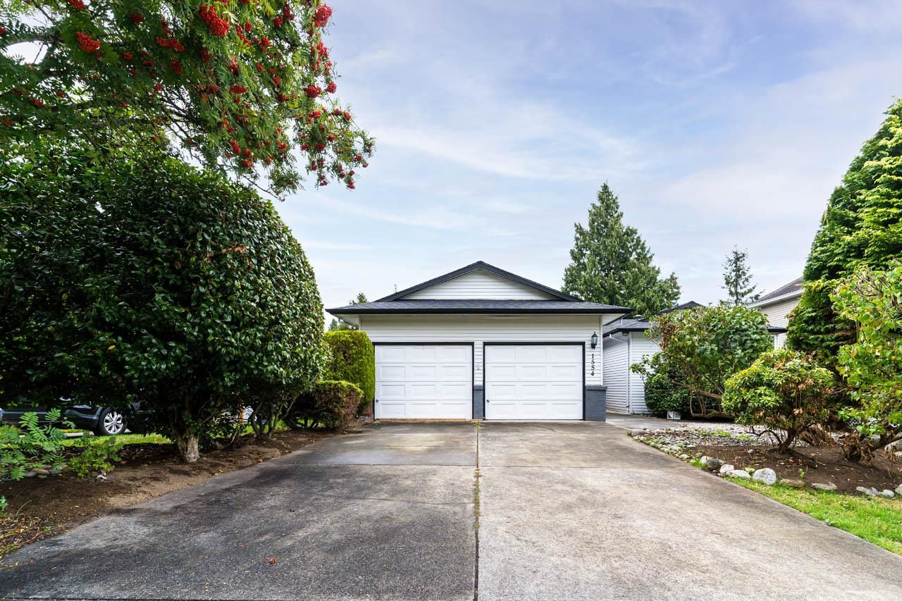Main Photo: 1554 132B Street in Surrey: Crescent Bch Ocean Pk. House for sale (South Surrey White Rock)  : MLS®# R2612650