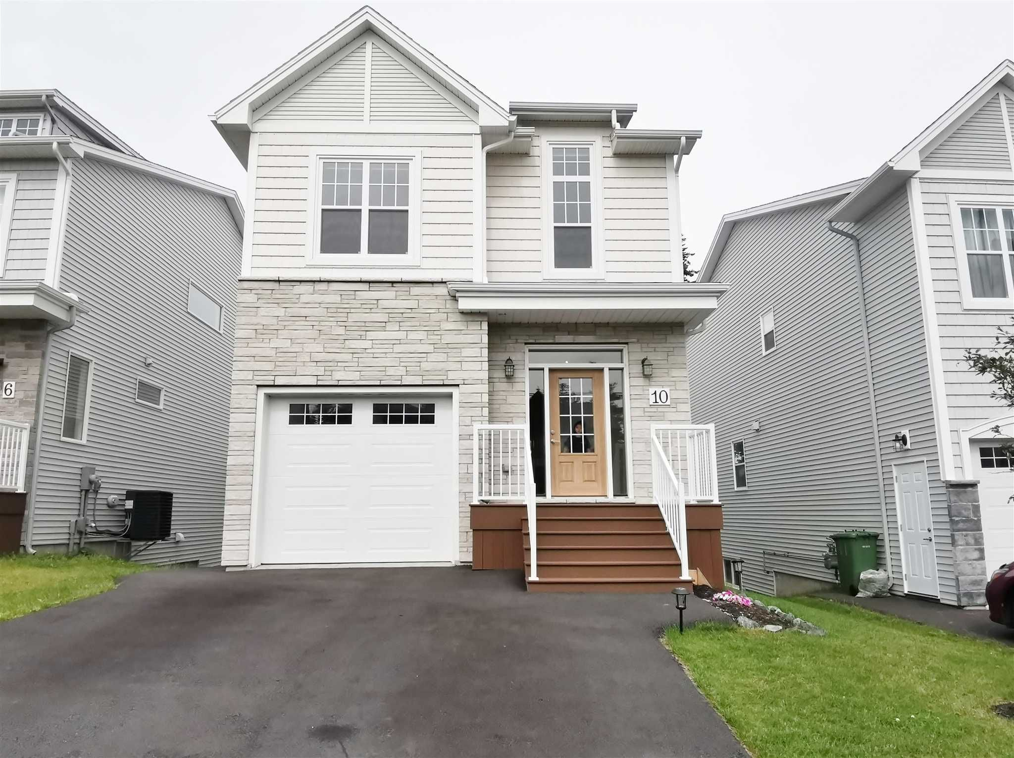 Main Photo: 10 Bristolton Avenue in Bedford: 20-Bedford Residential for sale (Halifax-Dartmouth)  : MLS®# 202117670