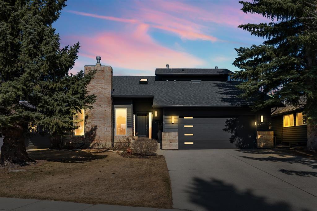 Main Photo: 8 Sunmount Rise SE in Calgary: Sundance Detached for sale : MLS®# A1093811