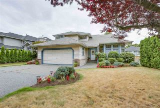 Photo 1: 9305 204 Street in Langley: Walnut Grove House for sale : MLS®# R2199334