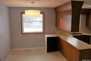 Photo 5: 51 Fuhrmann Crescent in Regina: Walsh Acres Residential for sale : MLS®# SK839437