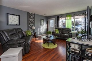 Photo 2: 212 3rd Street West in Delisle: Residential for sale : MLS®# SK803560